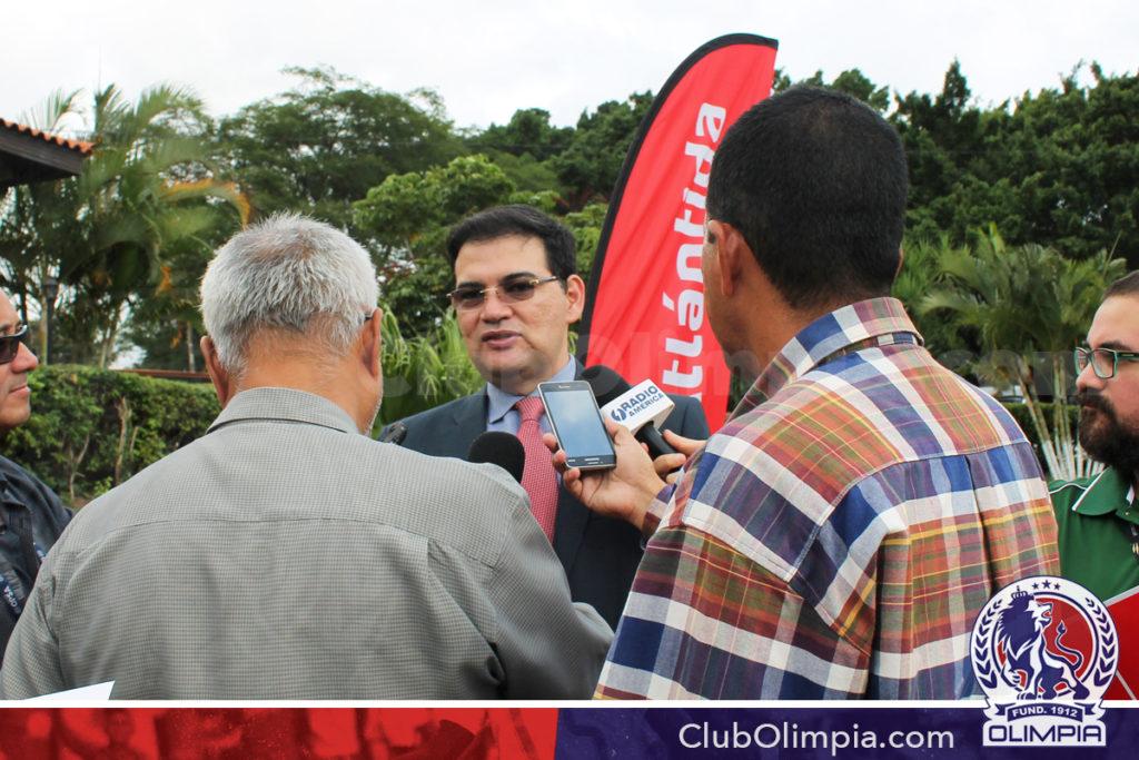 Licenciado Carlos Girón Vicepresidente de Banca de Personas, Marketing y Comunicaciones de Banco Atlántida.